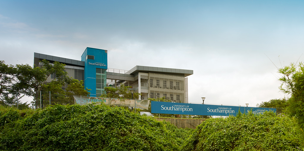 which is better local university or foreign university Foreign vs local universities  have studied here or at a foreign university 214 companies responded to a survey conducted by the straits times to find out what.